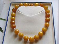 Ancien collier perles d'ambre butterscotch jaune d'oeuf et caramel 78 grammes