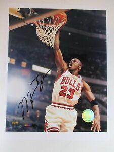 "HAND SIGNED by MICHAEL JORDAN 8x10"" NBA Photo CHICAGO BULLS #23 Basketball"