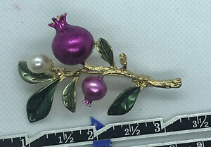 PIN BROOCH POMEGRANATES ON STEM ENAMEL COLOR AND PEARL GOLD TONE MISSING PEARL