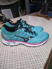 Mizuno runners size US 8 worn inside only
