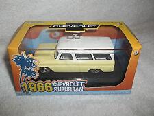 GREENLIGHT 1/43 HOBBY EXCLUSIVE 1966 CHEVROLET SUBURBAN