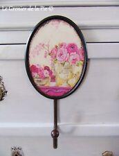 crochet patère en métal ovale décoration pivoines roses vase Médicis shabby chic