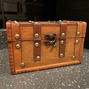 Small Antique Style Rustic Wooden Keepsake Jewellery Box Trinket Storage Chest