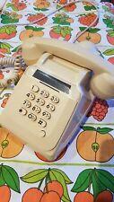 Ancien Téléphone à clavier décimal Ivoire SOCOTEL S63 années 70 Vintage