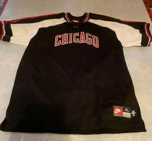 Vintage Nike Chicago Bulls Shooting Shirt 1998 Size XL (youth) The Last Dance