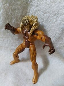 "MARVEL UNIVERSE 3.75"" SABRETOOTH FIGURE"