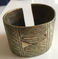 Magnifique Bracelet africain  /Manchette Bronze ciselé / Vintage