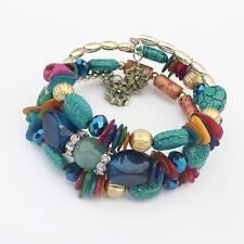Modeschmuckstücke aus Acryl mit Perlen