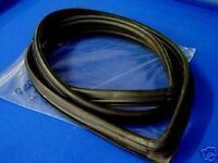 MAZDA 1000 1200 1300 NARROW BODY NO MOULD MOULDING FRONT WINDSCREEN RUBBER