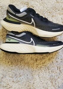 "Nike ZoomX Invincible Run Flyknit ""Black"" Men's Sz 10 BLK/WHT-IRN CT2228 001"