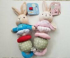 Peter Rabbit Beatrix Potter & Flopsy bunny Baby Toys Hand Rattle Jiggle NEW