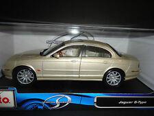 Maisto Jaguar S Type Pearl 1/18