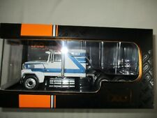 MINIATURE  Camion Ford LTL-9000 Tracteur 1978 - IXO 1/43 blanc bleu TRO62