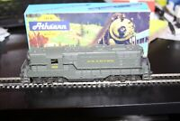HO scale Athearn GP-7 Reading Powered Diesel Locomotive # 658 USED