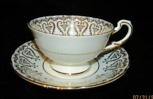 Paragon by Appointment of Her Majesty the Queen Tea Cup Set Fruit Orchard Plum