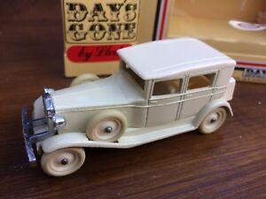 LLEDO DG19011a Gode DG19 TBA Cream 1931 Rolls Royce Phantom II Brewster Cars