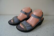 """CLARK`S """"UN DORY"""" BLUE LEATHER/LEATHER LINED UNSTRUCTURED WEDGE SANDALS UK 5D"""