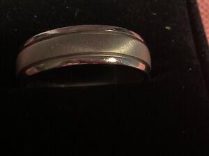 Platinum Jeff Cooper men's wedding ring