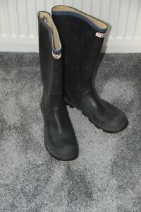 Century Rubber wellies very good condition, size 10 black and blue trim
