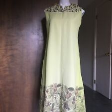 Cool Long Green KURTA DRESS, Embroidered Flowers. NWT! Chest: 38""