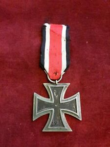 "WWII GERMAN IRON CROSS 2ND CLASS, MAKER ""25"", ISSUED, GOOD CONDITION."