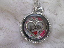 I  LOVE  YOU  MOM -  FLOATING  ROUND  LOCKET -  WITH 5  CHARMS  -  YOU ADD PHOTO