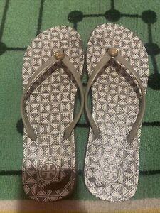 Tory Burch Womans Gray Amd White Flip Flops Size 9