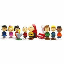 Charlie Brown & Peanuts Gang 12 pc Set Birthday Cake Topper Figurines Toy Set