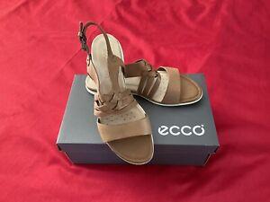 ecco Leather Ladies Flat Tan Sandals Size UK 7.