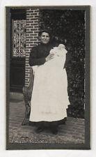 Photo - CDV - Femme Enfant Nourrice Bébé Maison - Robe - Vers 1900 - Vintage.