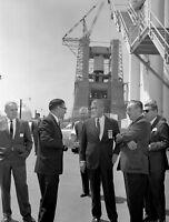 WERNHER VON BRAUN & WALT DISNEY TOUR MARSHALL CENTER - 8X10 NASA PHOTO (EP-475)