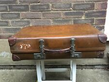 Handmade English Revelation Tan Leather Vintage Luggage Suitcase Trunk Display