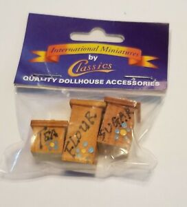 🌈👉NOS CLASSIC'S BY HANDLEY Miniature Decor Canisters 4pcs Wooden
