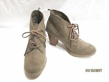 """OLD NAVY Tan Suede Lace-up Ankle Boots 3"""" Stacked Heel Sz 6M EUC CUTE"""