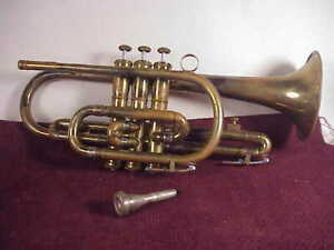 VINTAGE OLDS Ambassador CORNET w/ LIFTON  case and Olds 3 Mouthpiece USA made