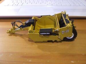 First Gear 50-3189 Miskin D-19 Pull Type Scraper, 1:50, good