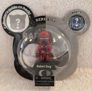 "NIB - Toy2R 2.5 inch Qee ""Manley Series 1"" - ""Robot Dog"""