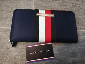 Tommy Hilfiger BNWT Ladies Navy abd Red Poppy Zip Around Purse