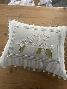 susie watson cushion In Great Condition