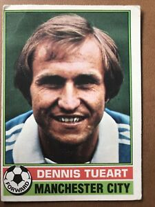 TOPPS 1977/78 RED BACK FOOTBALL CARD Number 20 Dennis Tueart