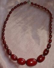 "Collier bakélite art déco "" Sautoir "" Perles rouge / Red cherry false amber bead"