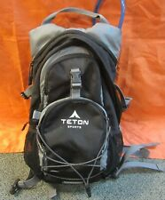 """Teton Sports 18"""" Hydration Backpack Gray and Black w Raincover - VGC"""