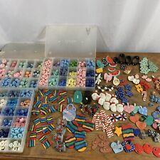 500 + Mixed Lot Beads Jewlery Making Crafts Round Flat Santa Flowers Scottie