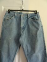 Men's Wrangler Jeans - Size 38 x 32 - Relaxed Fit - Light Wash