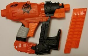 Nerf Zombie Strike Nailbiter - modified with rear loading removable clip