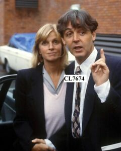 Paul McCartney and His Wife Linda at Middlesex Magistrates Court, Uxbridge Photo