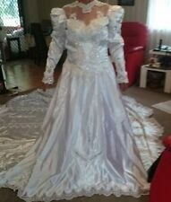 Crystal/Diamante Regular Size Long Sleeve Wedding Dresses