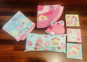 7 Piece Pink Girls Bedroom Setting Inc Quilt Cover, Pillows Canvas & Rug Decor
