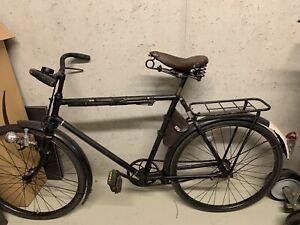 Schweizer Militärrad Armeerad von 1941 mit Fahrradpumpe, Halfter