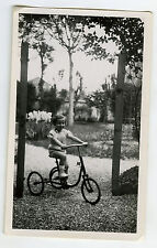 PHOTO ANCIENNE - VÉLO ENFANT TRICYCLE JOUET - BICYCLE CHILD TOY-Vintage Snapshot